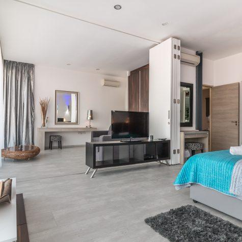 bed-bedroom-chair-210265